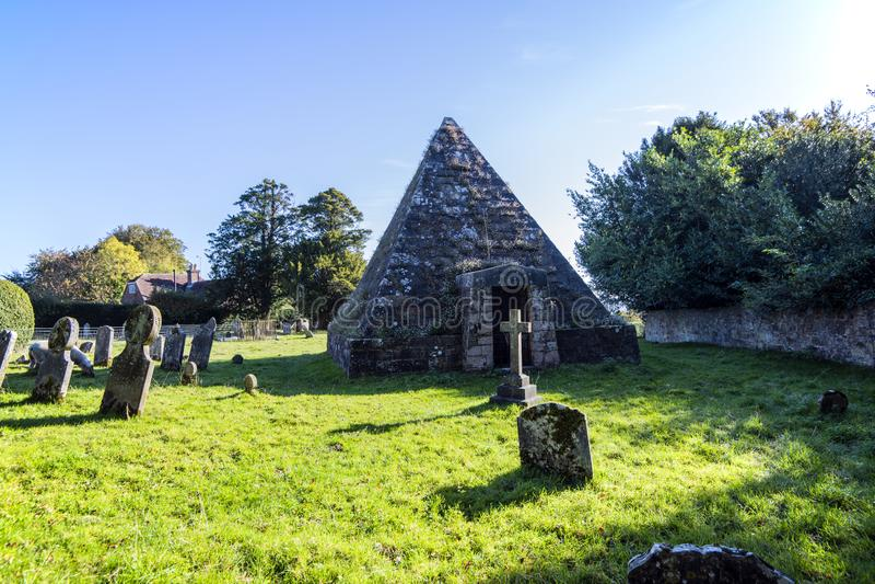 更加充分疯狂的杰克的坟茔- Brightling教会,东萨塞克斯郡,英国 免版税库存图片
