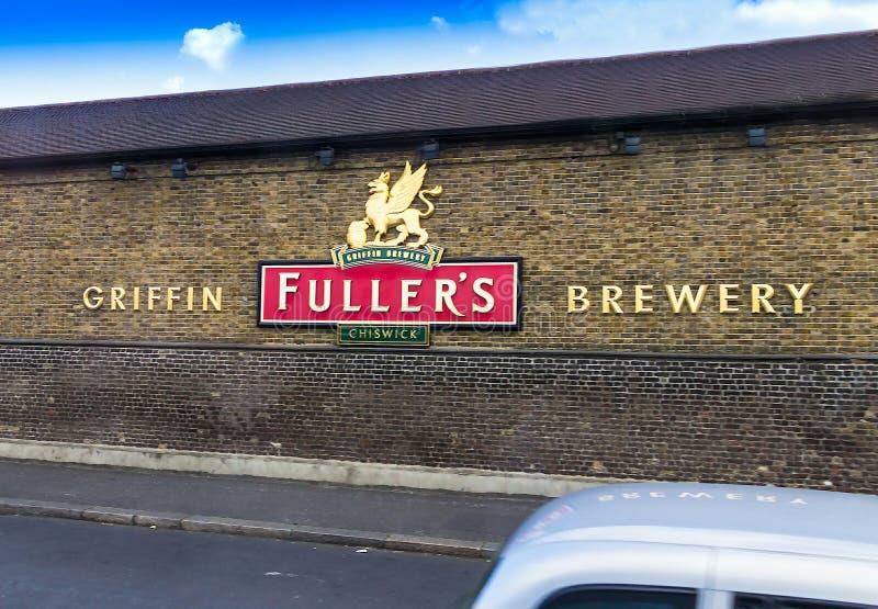 更加充分的` s新来的人啤酒厂标志,普遍的英国啤酒`伦敦自豪感`在Chiswick被做,西部伦敦 免版税库存图片