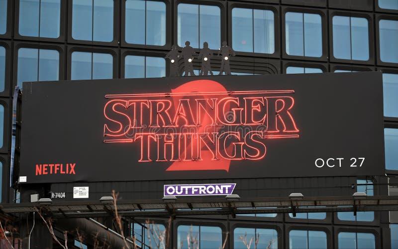 更加奇怪的事2广告牌标志 库存图片