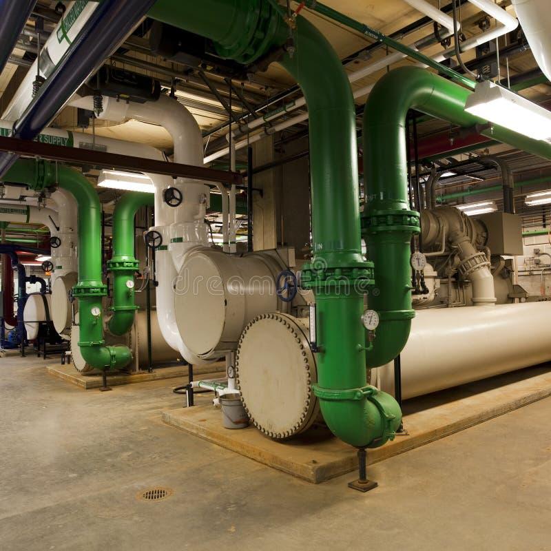 更加寒冷的管道系统的工厂 图库摄影