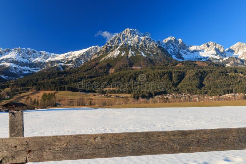 更加狂放的Kaiser山在冬天 库存照片