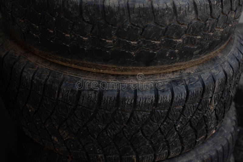 更旧的轮子 从您的汽车的轮子 免版税库存图片