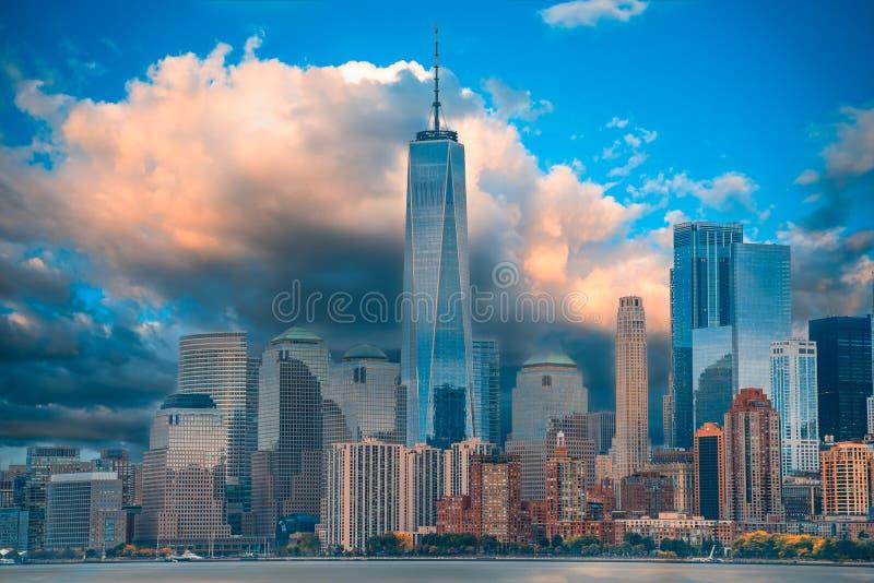 曼哈顿下城的一个宏伟的视图 库存图片