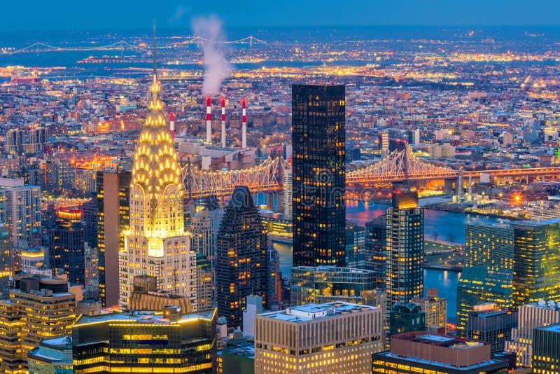 曼哈顿地平线鸟瞰图在日落,纽约的 免版税图库摄影