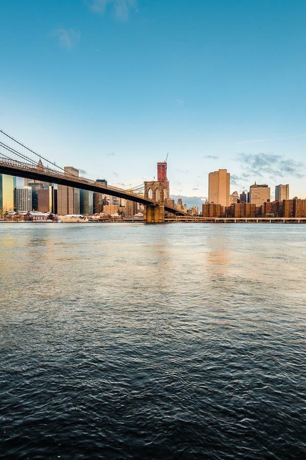 曼哈顿天际线:布鲁克林卵石滩 图库摄影