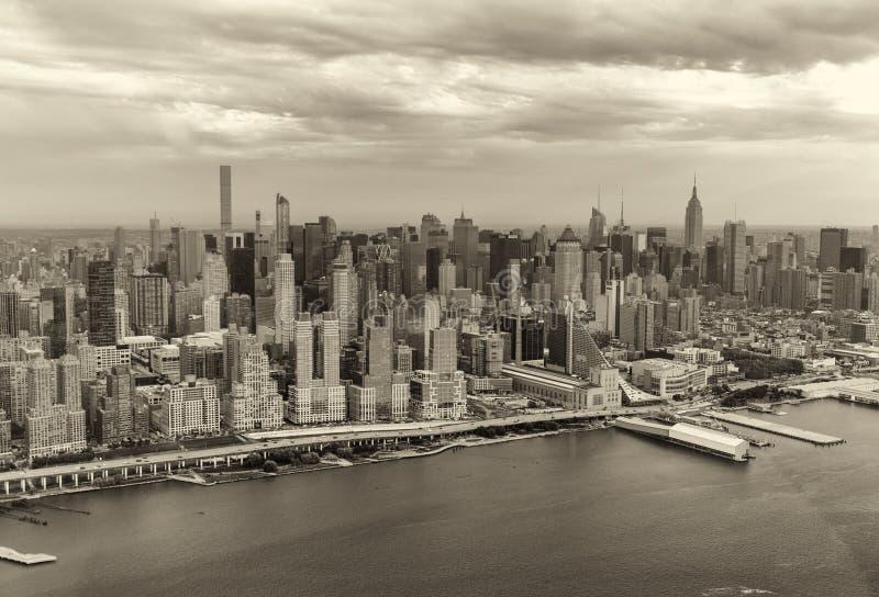 曼哈顿摩天大楼黑白看法,纽约- U 免版税库存照片