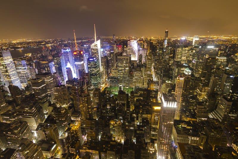 曼哈顿概要在从帝国大厦的晚上 库存图片