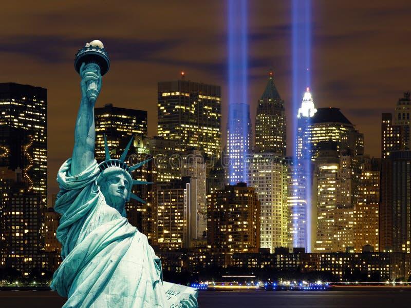 曼哈顿自由女神像夜纽约 库存照片