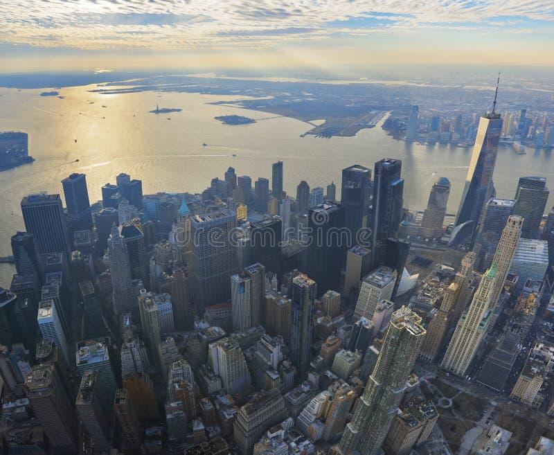 曼哈顿财政区的全景天线有现代办公室塔的在纽约 免版税图库摄影