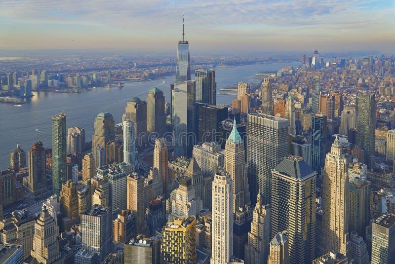 曼哈顿财政区的天线有现代办公室塔的在纽约 库存照片