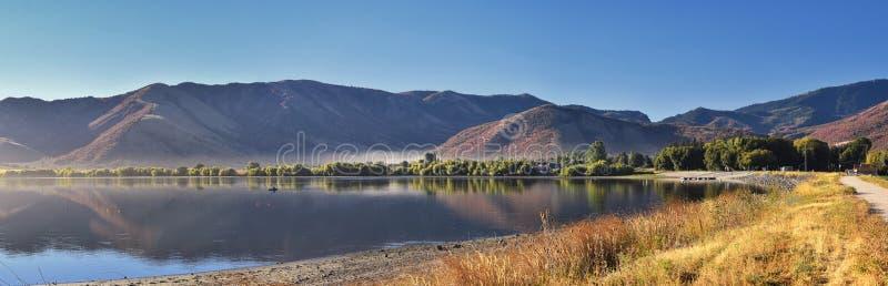 曼图亚水库风景视图 曼图亚是东部边缘的博克斯埃尔德县一小镇,历史上叫作博克斯埃瓦尔 免版税库存图片