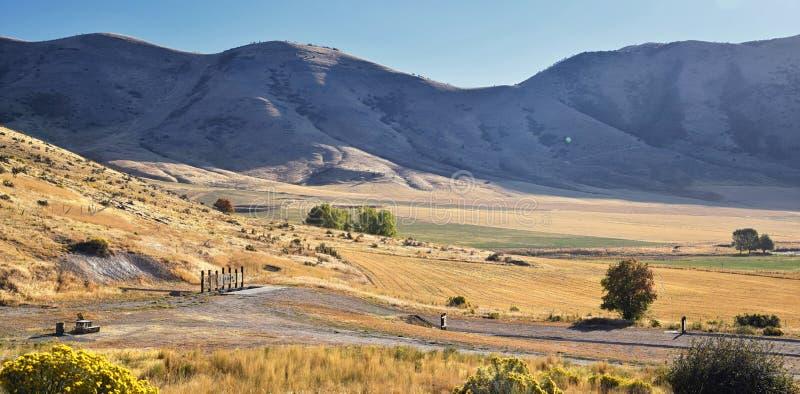 曼图亚水库风景视图 曼图亚是东部边缘的博克斯埃尔德县一小镇,历史上叫作博克斯埃瓦尔 库存图片