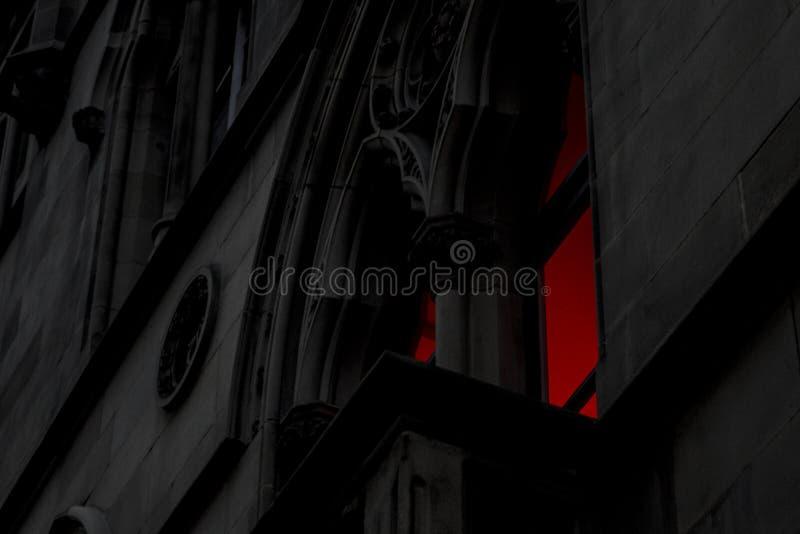曼彻斯特哥特式窗口鬼的光 免版税库存图片