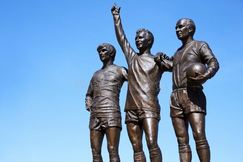 曼彻斯特,英国- 2017年5月4日:球员雕象曼联橄榄球场外 库存图片