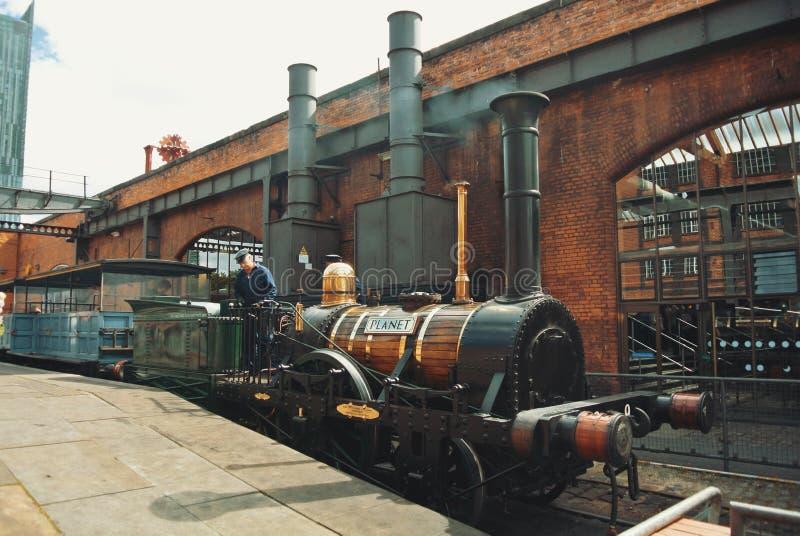 曼彻斯特,英国- 2013年8月11日:老葡萄酒减速火箭的蒸汽f 库存照片