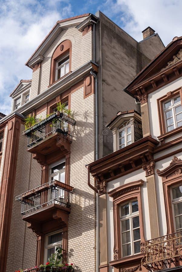 曼海姆,德国,05/11/2019:典型的19世纪德国居民住房 免版税库存照片