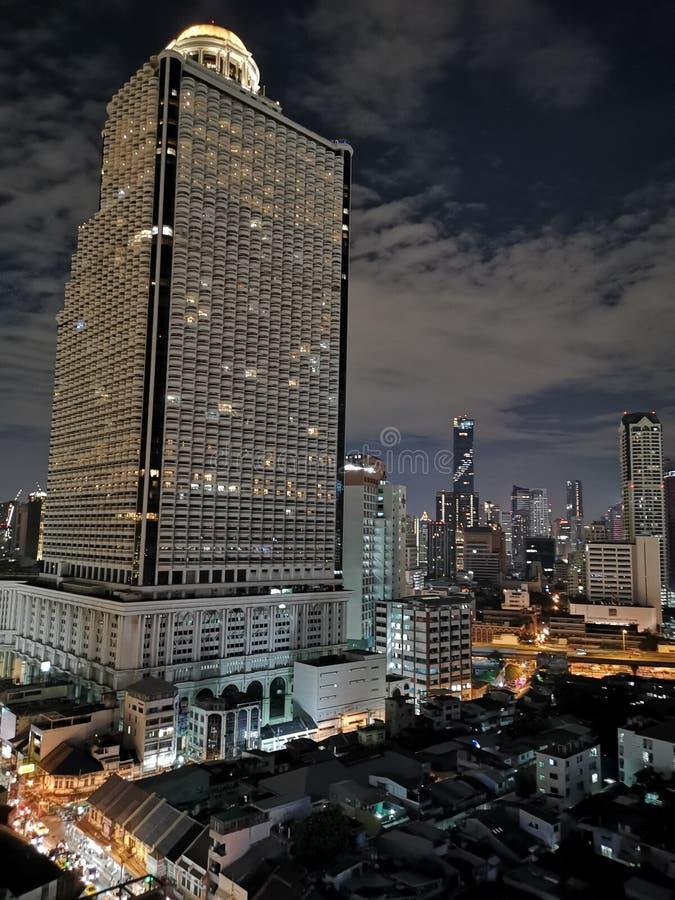曼谷从上面的夜视图 库存照片