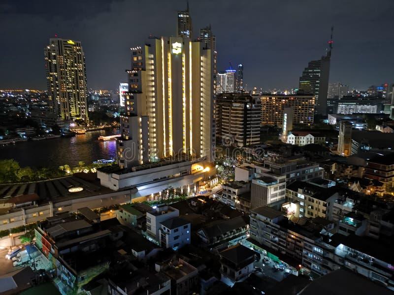 曼谷从上面的夜视图 免版税库存照片