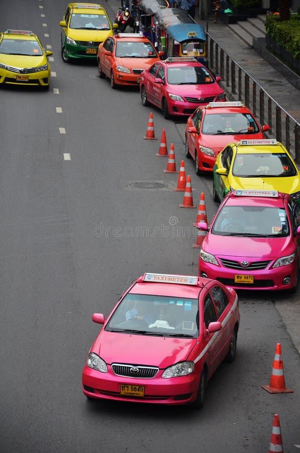 曼谷在街市街道上的计程表 库存图片