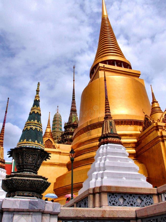 曼谷大皇宫的美丽塔 免版税库存图片