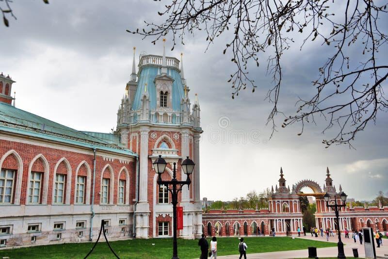 曼谷大皇宫 Tsaritsyno公园建筑学在莫斯科 r 免版税库存图片
