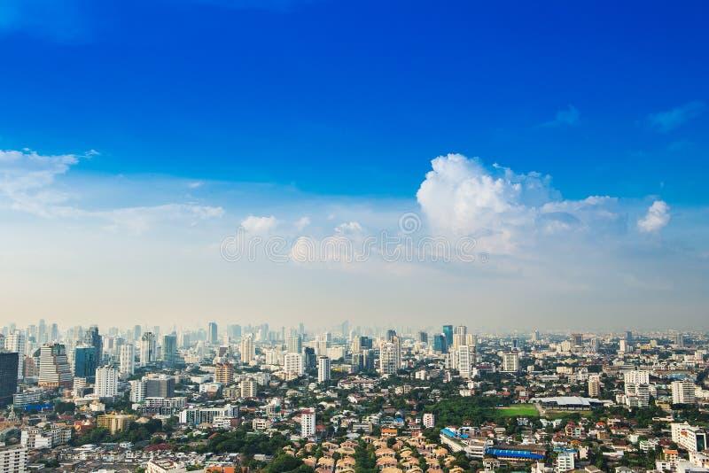 曼谷大都会,在最大的城市的鸟瞰图 免版税库存照片