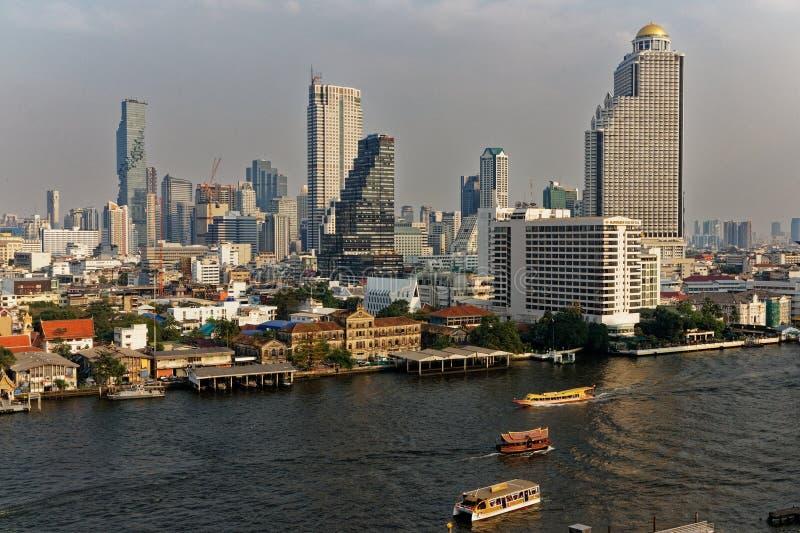 曼谷市的部分的看法,结尾下午的 免版税图库摄影