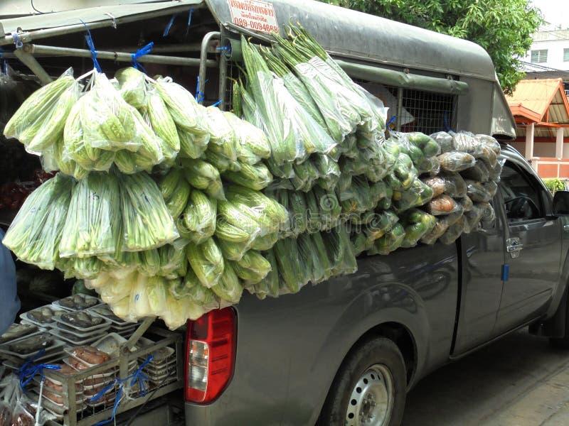 曼谷泰国:移动的摊位普遍的事在泰国 库存照片