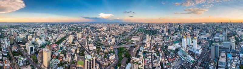 曼谷泰国wi城市的美好的水平的全景 库存照片