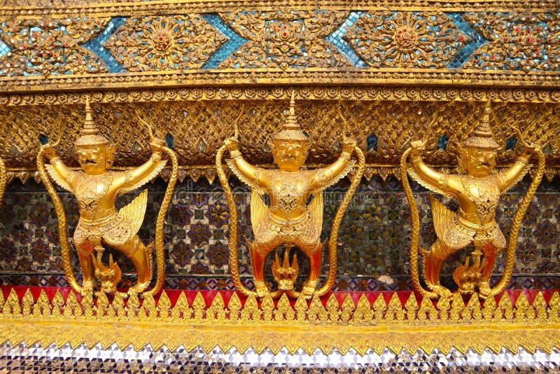 曼谷玉佛寺,共同地已知用英语作为鲜绿色菩萨或盛大宫殿的寺庙被认为最神圣的Buddhi 库存照片