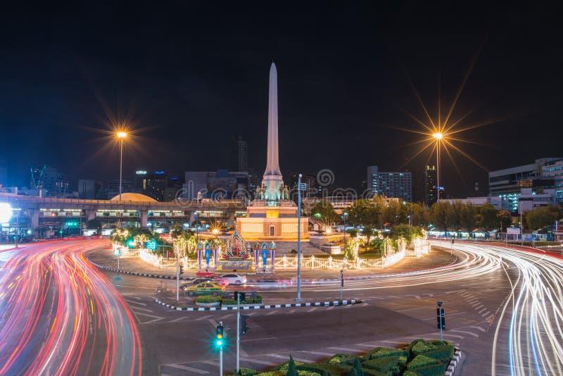 曼谷,泰国:胜利纪念碑在2014年8月2日的中央曼谷在曼谷 库存图片