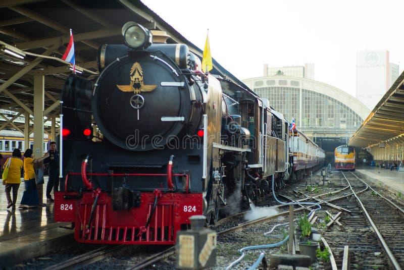 曼谷,泰国:2018年12月5日-特写镜头葡萄酒蒸汽火车 库存照片