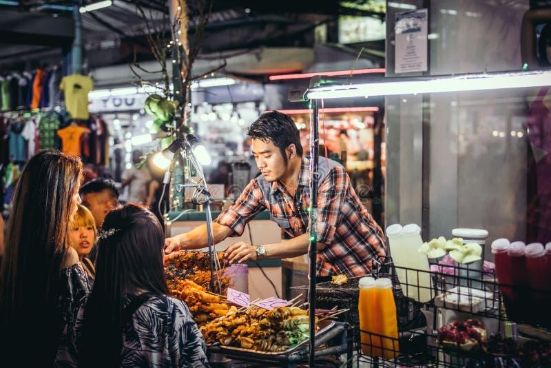 曼谷,泰国- 2018年2月2日:街道食物在曼谷,泰国,亚洲 库存图片