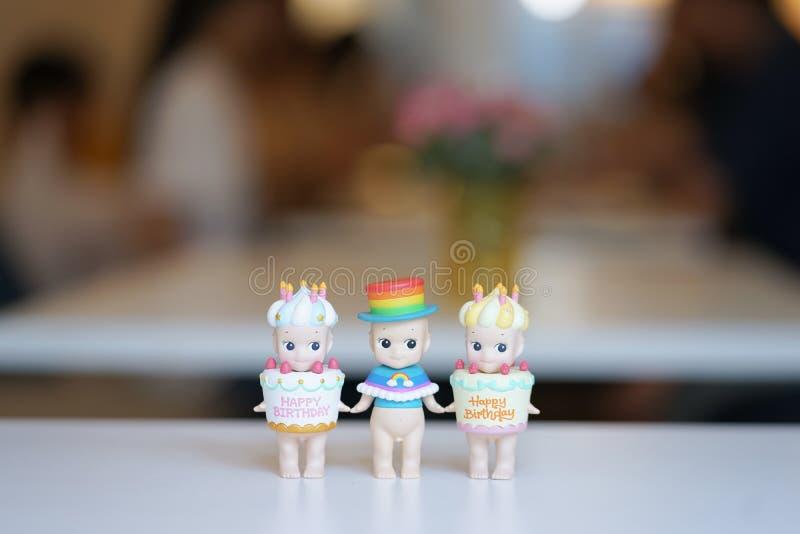 曼谷,泰国- 2019年3月9日:A关闭了索尼天使细节或叫作在生日庆祝概念的婴儿送礼会 ?? 免版税图库摄影