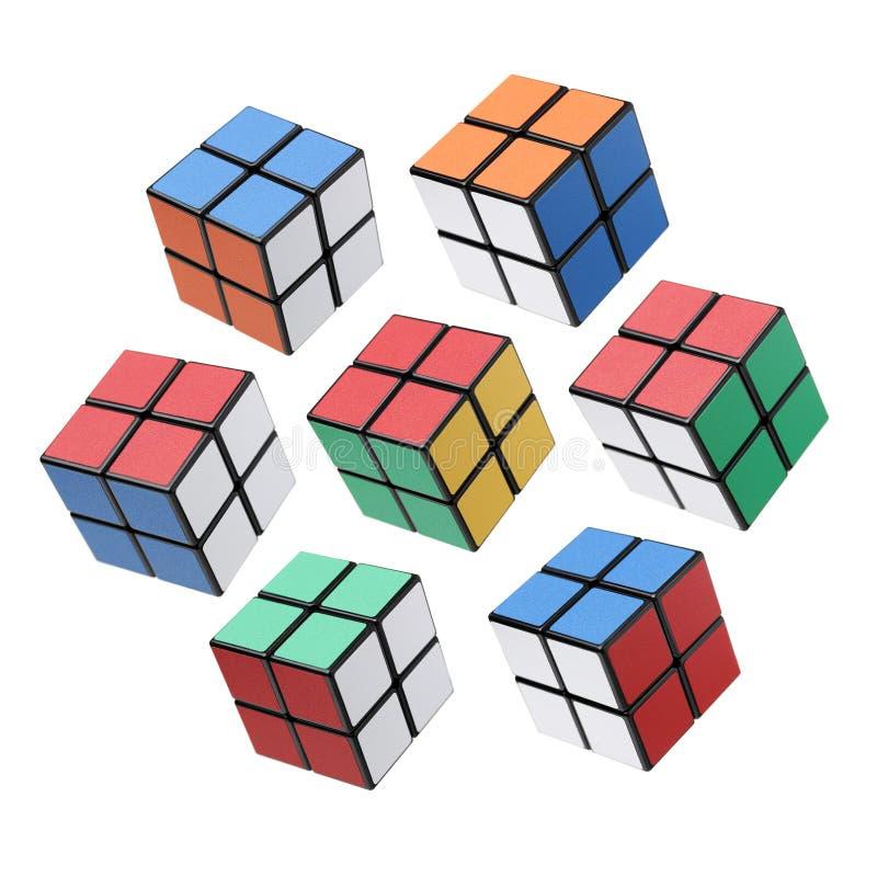 曼谷,泰国- 2017年11月11日:Rubik ` s立方体三类型为在白色背景的脑子是好 Rubik的立方体由a发明了 免版税库存图片