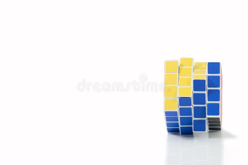 曼谷,泰国- 2017年11月11日:Rubik ` s立方体44 diffic 免版税库存照片