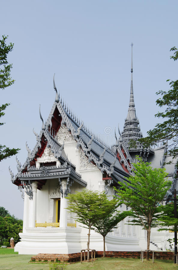 曼谷,泰国- 2013年10月30日:古老泰国, Sanphet Prasat宫殿,阿尤特拉利夫雷斯 库存照片