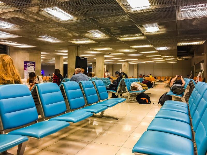 曼谷,泰国- 2017年2月21日:未认出的疲乏的passeng 免版税库存照片