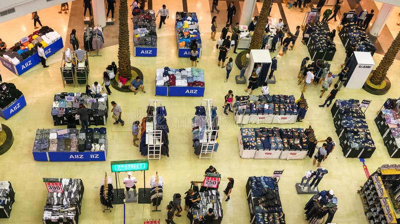 曼谷,泰国- 10月29 :购物中心Bangkhae主持衣物 免版税库存图片