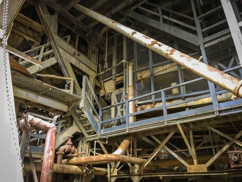 最大的挖泥机在内部阿拉斯加,在费尔班克斯Alasks附近 免版税库存图片