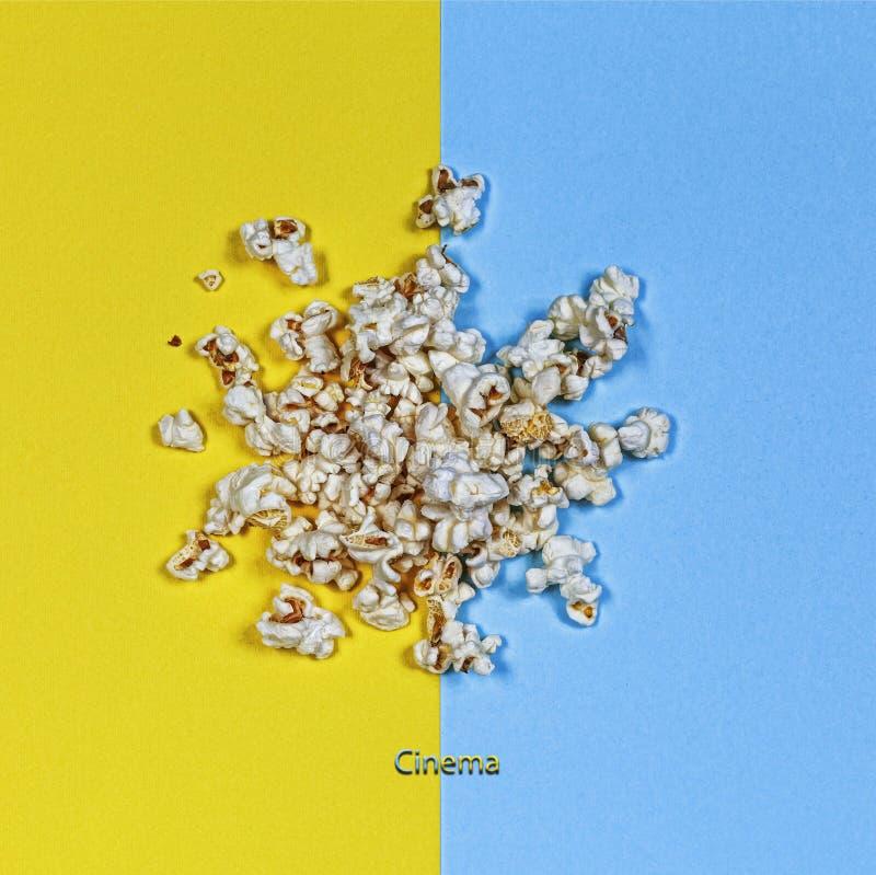 最小的样式,玉米花,戏院,艺术背景 免版税库存照片