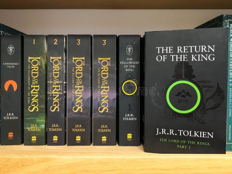 最新的英国幻想小说在图书馆书店的待售 免版税库存照片
