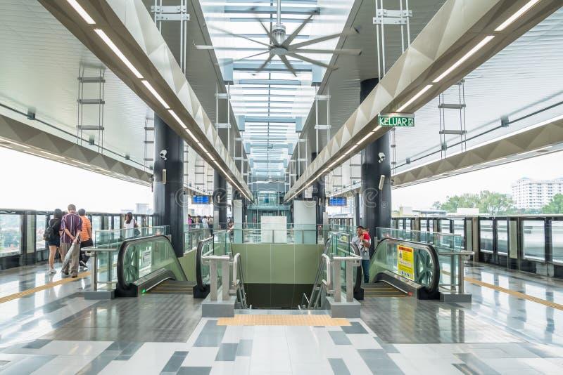 最新的MRT大量高速运输kajang平台 MRT是在巴生谷的最新的公共交通系统从Sungai Buloh 免版税库存图片