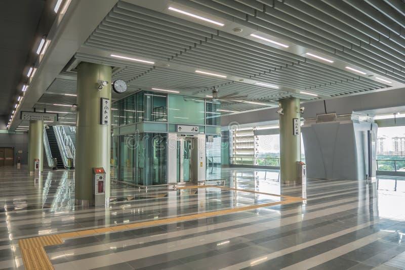 最新的MRT大量高速运输kajang驻地 MRT是在巴生谷的最新的公共交通系统从Sungai Buloh t 免版税图库摄影