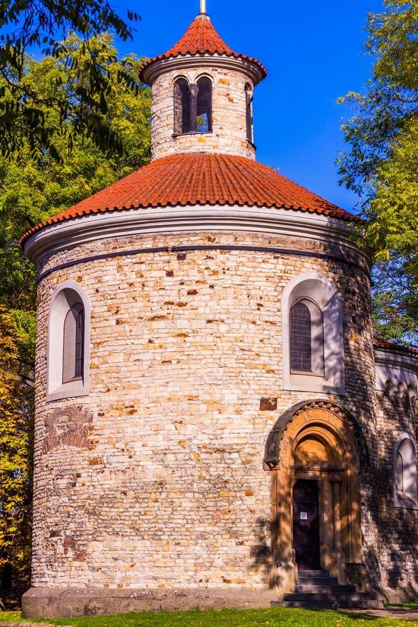 最旧圆形建筑圣马丁在Vysehrad,布拉格,捷克 库存照片