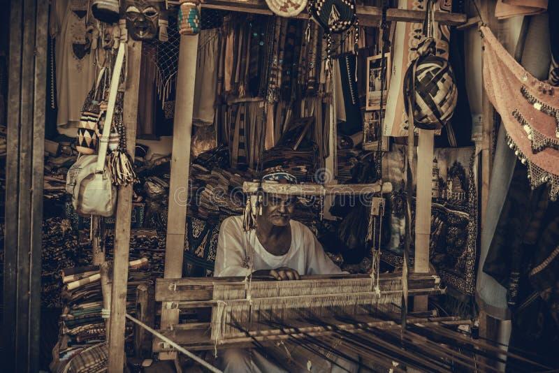最旧的地毯制造商在阿斯旺 库存照片