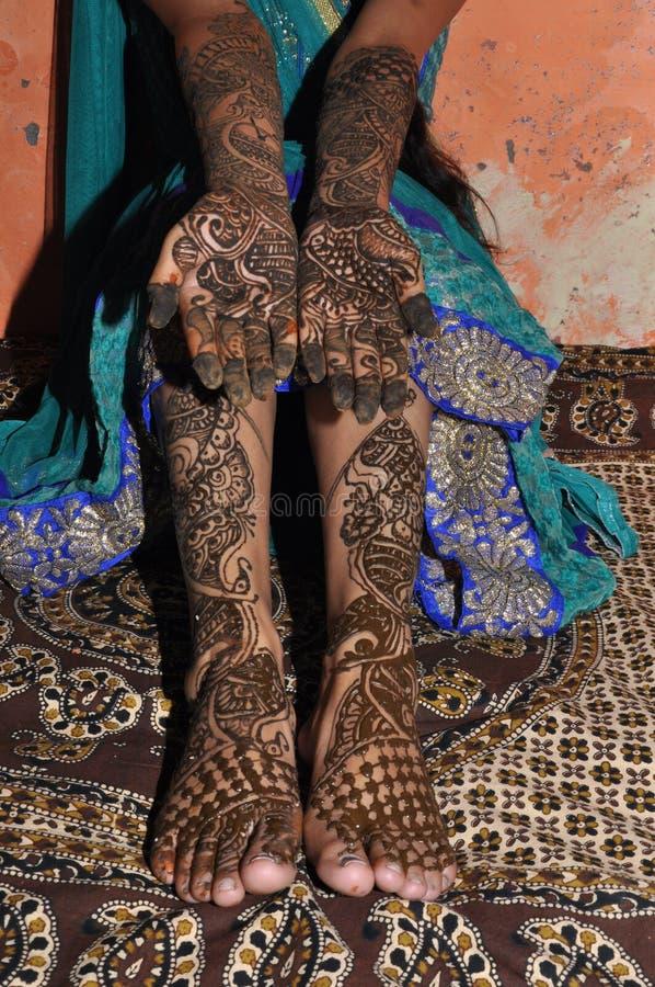 最近新娘的Mehndi设计 免版税库存图片