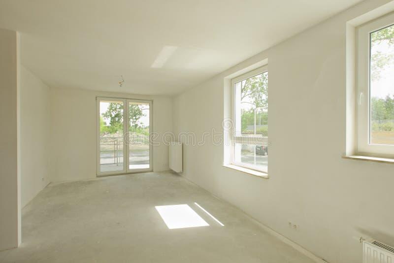 最近被修建的室内部 库存图片