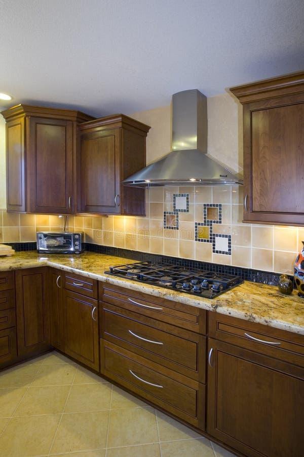 最近被改造的厨房 免版税库存照片