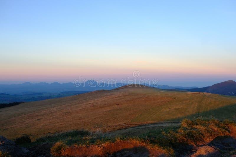 最高的喜马拉雅山尼泊尔我们的峰顶行星屋顶视图世界 图库摄影